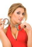 Heiße natürliche Blondine mit Handschellen Lizenzfreie Stockfotografie