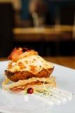 Heiße Ofenkartoffel mit Käse und Speck Stockfotografie
