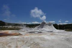 Heiße Quelle und Geysir Stockbilder