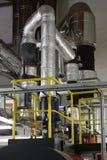 Heiße Rohrleitung und Dampfrohrleitung Stockfotografie
