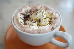Heiße Schokolade mit Sahne lizenzfreies stockfoto