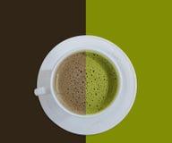 Heiße Schokolade und grüner Tee stockfotografie