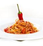 Heiße Teigwaren mit Käse und Tomaten Lizenzfreie Stockfotos