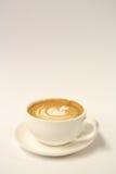 Heißer Lattekunstkaffee Stockbild