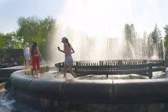 Heißer Sommer in der Stadt Lizenzfreie Stockfotos