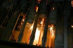 Heißer Stahl in der Stranggießenmaschine Stockfoto