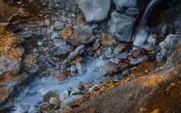 Heißer Strom am geothermischen Bereich in Island Lizenzfreies Stockbild