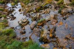 Heißer Strom am geothermischen Bereich in Island Stockbilder