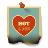 Heißes Liebes-Konzept Gebrannte Papierkarte mit Herz-Form Stockbild