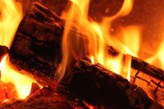 Heißes makro Feuer im Freien Stockbilder