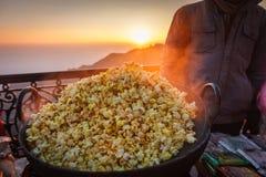 Heißes Popcorn in der Mallstraße, Mussoorie Lizenzfreies Stockfoto