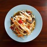 Heißes und würziges Misch des thailändischen Papayasalats von der Vielzahl des Gemüses stockfotografie