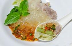 Heißes und würziges Schweinefleisch in Thailand (Jaew-Horn) lizenzfreies stockfoto