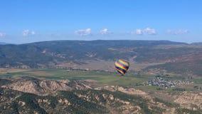 Heißluft-Ballon über Eagle 2 Lizenzfreie Stockfotografie