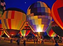 Heißluft-Ballon-Glühen Stockfotografie