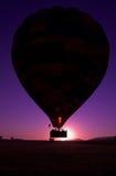 Heißluft-Ballon heben weg Stockfotos