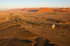 Heißluft-Ballon-Sonnenaufgang lizenzfreies stockbild