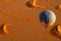 Heißluft-Ballon-Sonnenaufgang Stockfotografie