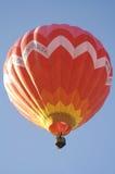 Heißluft-Ballon-Wegheben Lizenzfreie Stockbilder