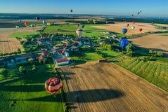 Heißluft Mondial Ballonwiedervereinigung in Lorraine France stockbild