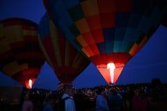 Heißluft steigt Festival in Pereslavl-Zalessky, Nachtflug Yaroslavl Oblast herein am 16. Juli 2016 im Ballon auf Stockfotos