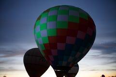 Heißluft steigt Festival in Pereslavl-Zalessky, Nachtflug Yaroslavl Oblast herein am 16. Juli 2016 im Ballon auf Lizenzfreie Stockfotos