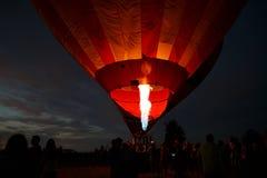 Heißluft steigt Festival in Pereslavl-Zalessky, Nachtflug Yaroslavl Oblast herein am 16. Juli 2016 im Ballon auf Stockbild