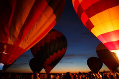 Heißluft steigt Festival in Pereslavl-Zalessky, Nachtflug Yaroslavl Oblast herein am 16. Juli 2016 im Ballon auf Lizenzfreie Stockbilder