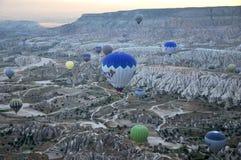 Heißluftballon im Truthahn Stockfotografie