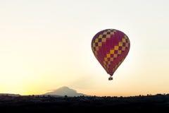 Heißluftballon photgrphed beim Bealton, VA-Flugwesen-Zirkus-Flugschau Lizenzfreies Stockbild