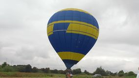 Heißluftballon photgrphed beim Bealton, VA-Flugwesen-Zirkus-Flugschau stock video
