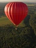 Heißluftballon und -landschaft Stockfotos