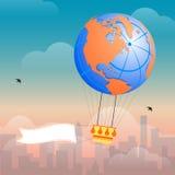 Heißluftballon und -wolken Stockfotografie