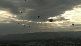 Heißluftballone in cappadocia Truthahn stock video footage