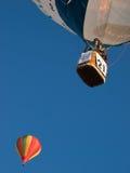 Heißluftballone in Mondovi', Italien Lizenzfreie Stockfotografie