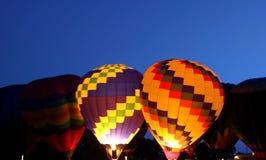 Heißluftballonglühen Lizenzfreie Stockbilder