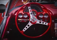 Heißer Rod Red Corvette Sting Ray lizenzfreies stockbild