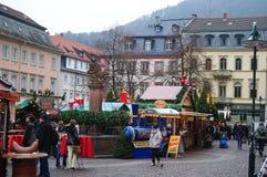 Heidelberg —Tyskland December 2013 - Weihnachtsmarkte i Heidelberg Arkivbild