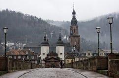 Heidelberg gammal bro och tornet, Tyskland arkivbild