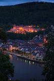 Heidelberg-Schloss nachts vom Hügel Lizenzfreie Stockfotografie