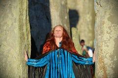 Heiden markieren Autumn Equinox bei Stonehenge Stockbild