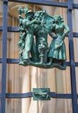 Heidense symbolen van de dierenriem op het Golden Gate St Vitus Cathedral in Praag stock afbeelding
