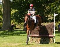Heidi Bratlie Larson för Houghton internationell hästförsök ridning Arkivfoto