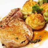 Heiße Fleisch-Teller - Bone-in Schweinefleisch-Bruststück Lizenzfreies Stockfoto