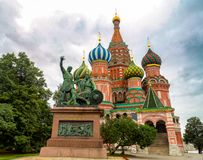 Heilig-Basilikum-Kathedrale in Moskau lizenzfreie stockbilder