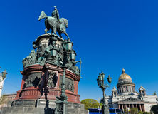 Heilig-Isaacs Kathedrale und Monument zum Kaiser Nikolaus I., Lizenzfreies Stockfoto