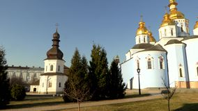 Heilig-Michael Gilded Orthodox-Kathedrale in Kiew, Ukraine, Video der Gesamtlänge 4k stock footage