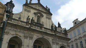 Heilig-Retter-Kirche in Prag stock footage