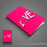 Heilig-Valentinsgruß-Tagesflugblatt oder -fahne mit Text Liebe auf Rosarückseite Stockfoto