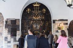 Heiligdom aan Maagdelijke Mary in de Steenpoort in Zagreb stock fotografie